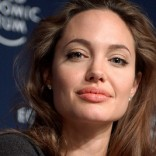 Angelina Jolie supports United Kingdom anti-rape effort in war zones