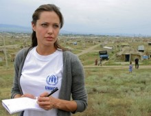 Angelina Jolie donated $100,000 to the UNCHR on World Refugee Day