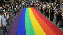 New Chinese dictionary omits 'gay' definition