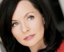 Guinevere Turner headshot