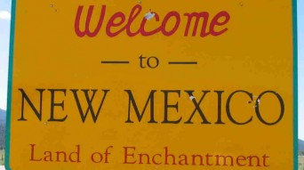 New Mexico greeting sign