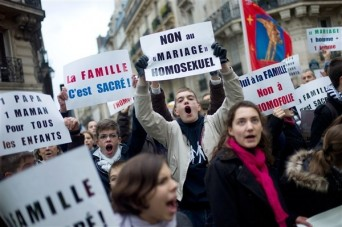 Protesters gather in Paris to oppose same-sex marriage