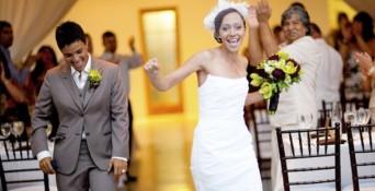 Lesbian guide to wedding drama