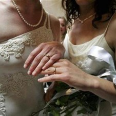 Judge denies request for lesbian commitment ceremony