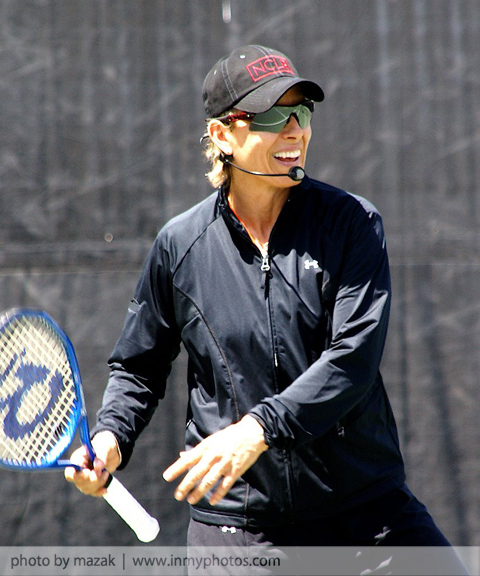 Martina Navratilova hosts a beneift tennis clinic for NCLR