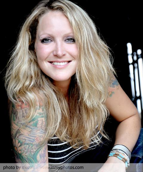 Canadian Lesbian Singer 37