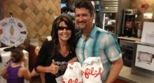 Sarah Palin shows support for Chick-Fil-A