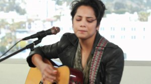 Vicci Martinez: 'Come Along' acoustic