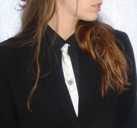 Woman wearing skinny tie